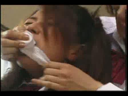 仲間を裏切った代償は大きく、保健室で激しく陵辱されるハメになる女子○生・・・・・・!